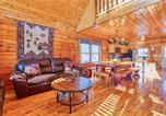 Location vacances Sevierville - Smoky Mountain Retreat, 5 Bedrooms, Hot Tub, Wifi, Pool Table, Sleeps 16-3