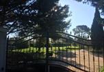 Location vacances Bellegarde - La Villa Des Pins-4