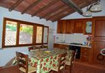Location vacances  Province de Grosseto - Apartment with 2 bedrooms in Massa Marittima with shared pool and Wifi-1