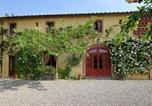 Location vacances Capannori - Segromigno in Monte Villa Sleeps 10 Air Con Wifi-1