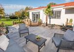 Location vacances Brielle - Beautiful detached Chalet Sea Rocks in Goedereede with views and garden-2