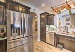 Location vacances Clarksville - Luxe Cottage for Groups: 30 Min to Nashville!-1