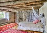 Location vacances  Tarn-et-Garonne - Cazes-Mondenard Chateau Sleeps 12 with Pool and Wifi-4