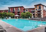 Location vacances Kelowna - Tranquil Apartment Overlooking Creek-1