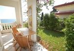 Location vacances  Alpes-Maritimes - Appartement Menton, 2 pièces, 4 personnes - Fr-1-196-259-2