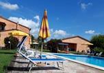 Location vacances  Province de Livourne - Podere Casalpiano-3