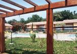 Location vacances Moissac-Bellevue - Holiday home Regusse 33 with Outdoor Swimmingpool-3