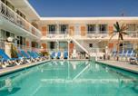 Hôtel Wildwood - Daytona Inn and Suites-1