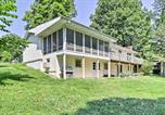 Location vacances West Plains - Lake House with Deck on Crown Lake near Ozark Forest!-3