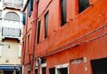 Location vacances  Ville métropolitaine de Venise - Booking San Marco apart-4