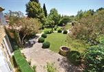 Location vacances Camaret-sur-Aigues - Four-Bedroom Holiday Home in Serignan du Comtat-1