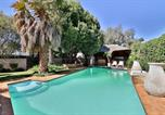 Location vacances Benoni - Fin and Feather Guesthouse-1
