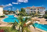 Location vacances  République dominicaine - Beachfront Studio @Cadaquescaribe Bayahibe-1