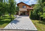 Location vacances Donji Lapac - Holiday Home Faruk-1