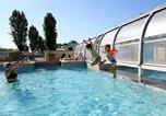 Camping avec Piscine Billiers - Camping Des Peupliers-1