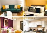Location vacances Manchester - Book Today!!! - Fru Luxury Stays Serviced Accommodation, Manchester City Star, Perfect for Families, Business Travelers or Couples, 2 Bedroom Apartment with Own Gated Parking & Free Wifi-1