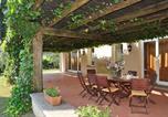 Location vacances  Province de Rieti - Magliano Sabina Villa Sleeps 8 Pool Wifi T218388-3
