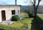 Location vacances  Lozère - House with 3 bedrooms in Langogne with wonderful mountain view and enclosed garden-1