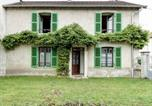 Location vacances  Haute-Saône - Traditional Holiday home in Vanne France with Fireplace-1