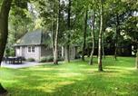 Location vacances Sint-Oedenrode - Modern Holiday Home in Haaren with Private Garden-1