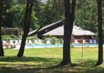 Camping avec Piscine couverte / chauffée Salignac-Eyvigues - Camping Le Vianon-4