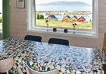 Location vacances Florø - 8 person holiday home in Åram-2