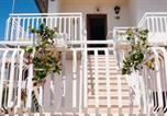 Location vacances  Ville métropolitaine de Catane - Beach House-2