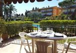 Location vacances Calella de Palafrugell - Apartment - 2 Bedrooms with Pool and Wifi young people group not allowed - 04683-2