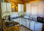 Location vacances Durbanville - The Lapa Log Cabins-2