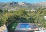 Location vacances Castillo de Locubín - Five-Bedroom Holiday Home in Zagrilla Baja-3