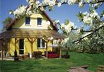 Location vacances Chełmno - Four-Bedroom Holiday home Chelmno with a Fireplace 07-3