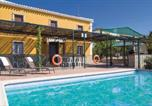 Location vacances Cuevas Bajas - Five-Bedroom Holiday Home in Archidona-1