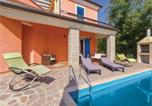 Location vacances Umag - Three-Bedroom Holiday Home in Vilanija-4