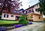 Location vacances Slunj - Apartments and Rooms Štefanac-1