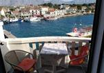 Location vacances Sućuraj - Apartments Riva - 10 m from sea-1