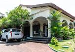 Location vacances Semarang - Reddoorz near Gajahmungkur Semarang-1