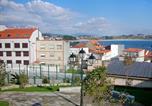 Location vacances Pobra do Caramiñal - Apartment Palmeira I.1-4