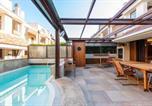 Location vacances  Province de Barletta-Andria-Trani - Villa Beach Luxury-1