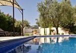 Location vacances Le Plan-de-la-Tour - Mas avec piscine au coeur des vignes-2