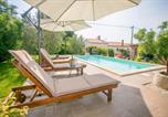 Location vacances Tar - Comfortable Villa Marinela with Pool and Garden-3
