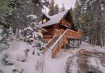 Location vacances Alpine Meadows - Bunker 730 Holiday home-1