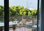 Location vacances Antibes - Appartement Les Pins-1