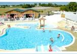 Camping avec Ambiance club Royan - Plein Air Locations - camping Parc De Bellevue-1