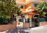 Location vacances Guagnano - Apartment with 2 bedrooms in San Donaci with Wifi-1