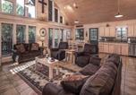 Location vacances Alto - Wine N Pines, 2 Bedrooms, Sleeps 6, Hot Tub, Fireplace, Flat Panel Tv-1