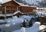 Location vacances Val-d'Isère - Appartements Le Dome-1