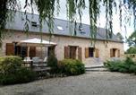 Hôtel Mayenne - Le Poirier Roussel Bed And Breakfast-1