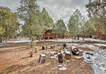 Location vacances Holbrook - Rosies Retreat Show Low Family-Friendly Cabin!-3