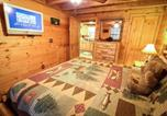 Location vacances Cleveland - A_bear-able_cabin-4