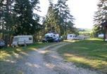 Camping avec Site nature Saint-Bonnet-le-Château - Camping du Lac de Devesset-1
